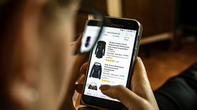 New Retail Platforms Aim to Take Waste Out of Online Clothes Shopping