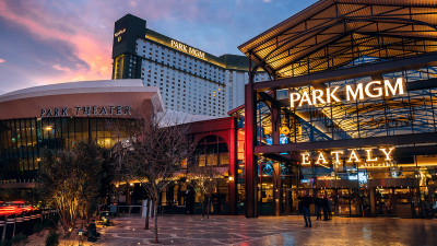 COVID, Customers Lead MGM to Open First Smoke-Free Las Vegas Strip Resort