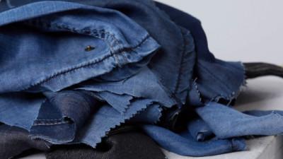 Trending: Breakthroughs in Biomimicry, Recycling Unlock 'Tarantula Blue' Textiles, Closed-Loop Tencel
