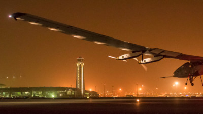 World's First Solar-Powered Plane Making Its Way Around the Globe