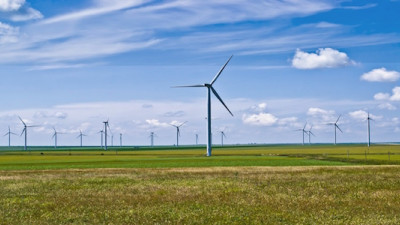 U.S. Renewable Energy Rises to Historic Levels While Coal Use Sags