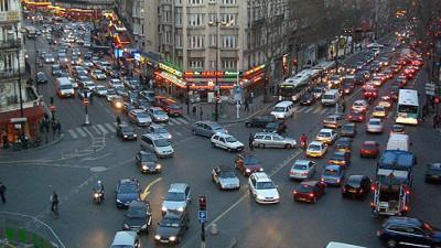 Paris Imposes Car Ban After Air Pollution Hits Record High
