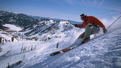 Squaw Valley, Mammoth Join 100 Ski Areas To Sign Climate Declaration