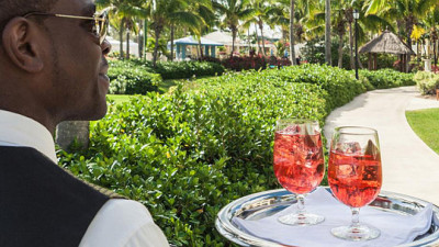 Caesars Begins Straw Phase-Out Plan; Sandals Resorts to Eliminate 21.5M by November