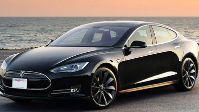 Federal Government Rates Tesla Model S Safest Car of All Time