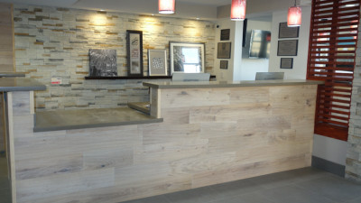 Carlson Rezidor Hotel Group: Country Inn & Suites Opens Environmentally Friendly Hotel Following A Multimillion Dollar Renovation