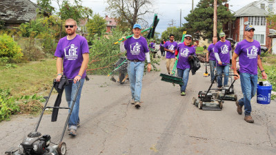 BASF volunteers tackle blight to revitalize Detroit neighborhood
