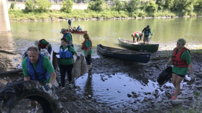 Keurig Green Mountain Volunteers Clean up 16,000 Pounds of Trash